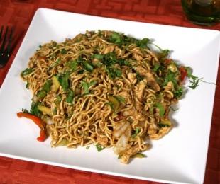 Kylling, Lam, Rejer eller Vegetabilsk Nudler